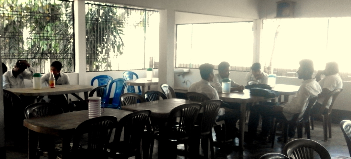 college_canteen_2
